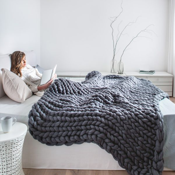 Graphit chunky knitted merino wool blanket by Ohhio
