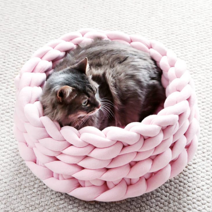 Ohhio Braid Cat Bed DIY Kit Pink